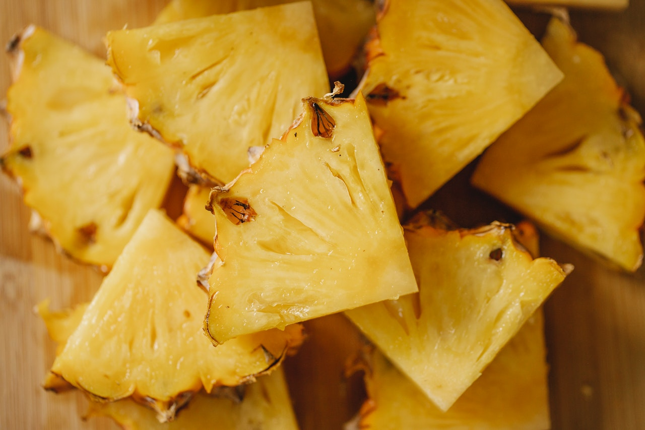Pineapple segments