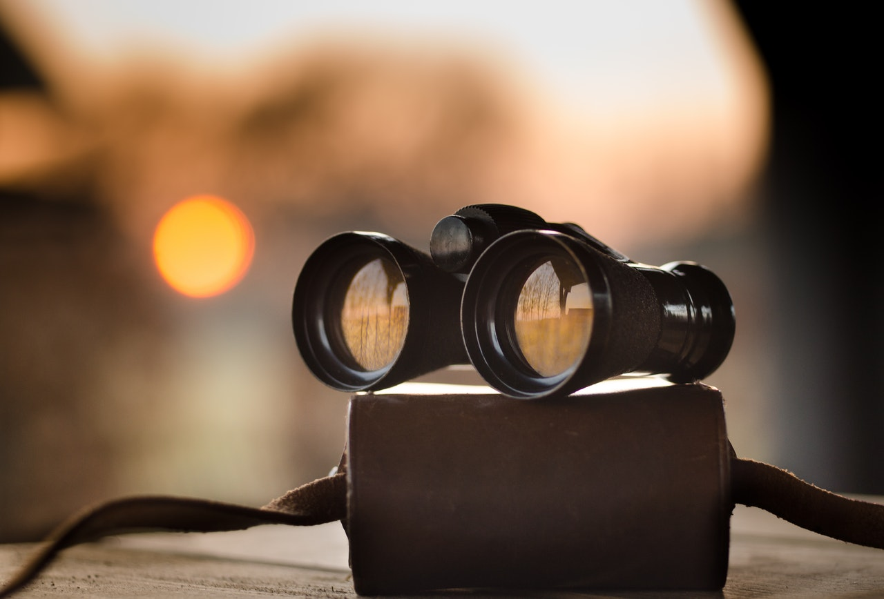 A pair of binoculars to represent Vision Statements
